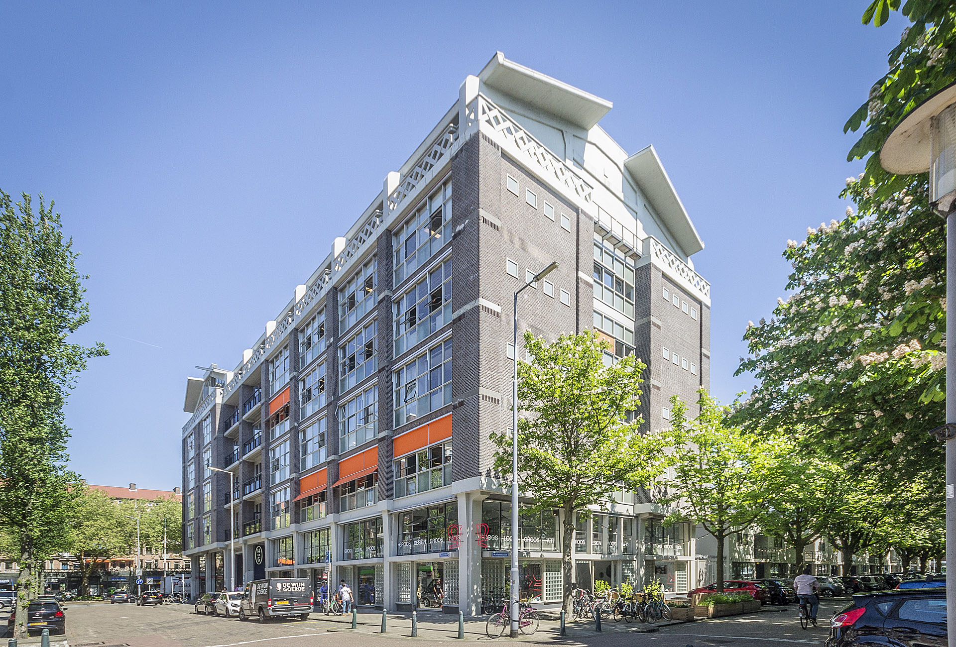 Een antwoord op de naoorlogse schaarste aan Rotterdamse bedrijfsruimte